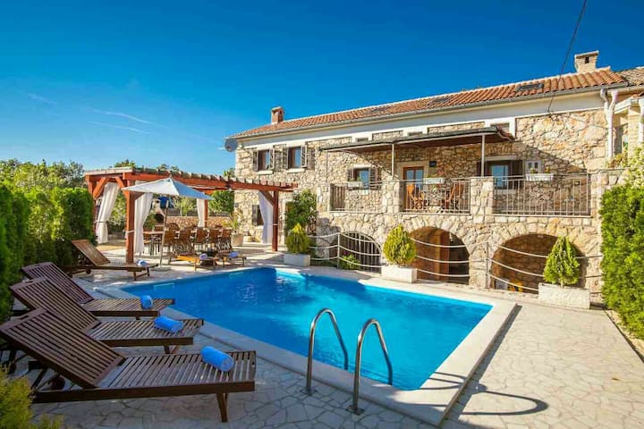 Apartment with privat pool ****Villa Vita****