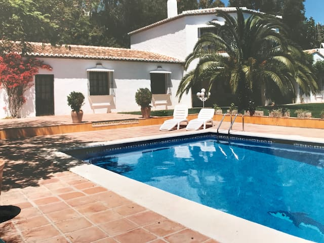 Summer memories in a luxurious cortijo