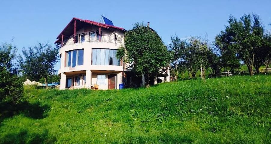 Breathtaking Mountain view, Sophisticated Mansion - Huedin - Daire
