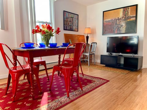 2 Bedroom Downtown Jersey City Apt easy to NYC