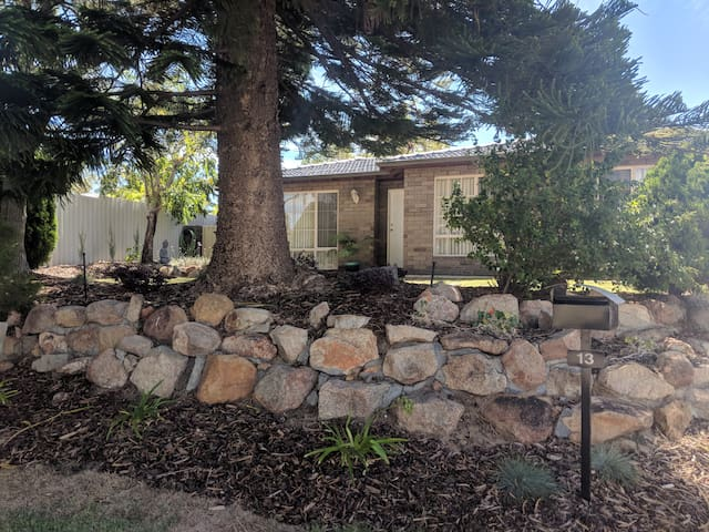 Privacy, in a nice family home, close to Fremantle