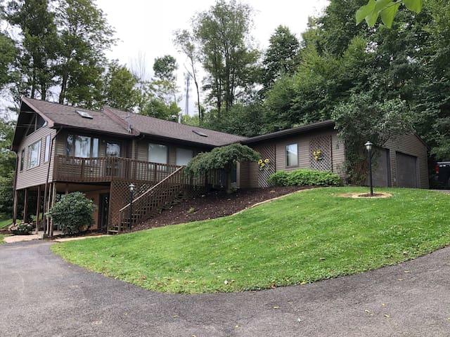 Beautiful Home Near State College & Penn State