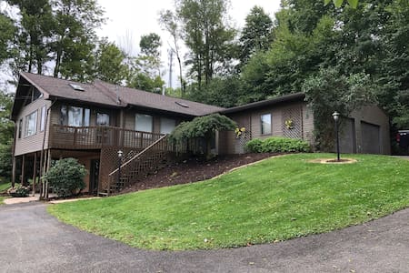 Beautiful Home Near State College & Penn State