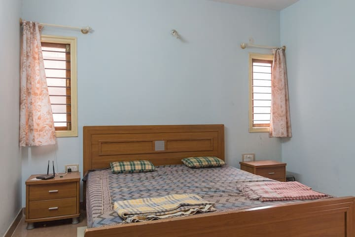 Fully furnished luxury 3 BHK - Bangalore - Appartement