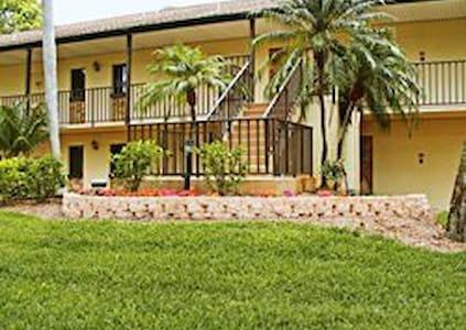 FL, Lehigh Acres Resort Fun for everyone - Lehigh Acres - 公寓