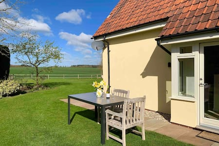 Amazing Views, Peaceful Private Retreat - Suffolk