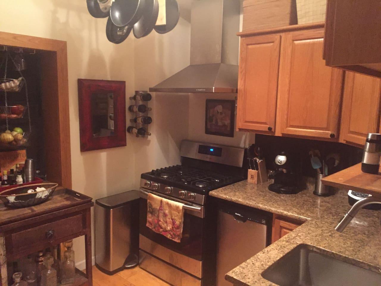 Charmant Skyline Hotel New York Hölle Küche Fotos - Küchenschrank ...