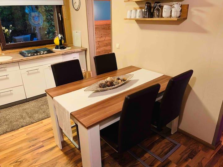 Unsere Holzhütte ist stylisch & gemütlich!