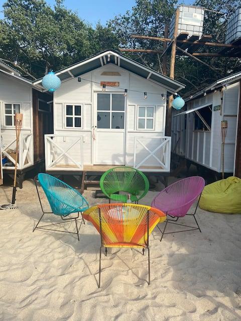 Beachfront independent cabins Pura vida Baru!