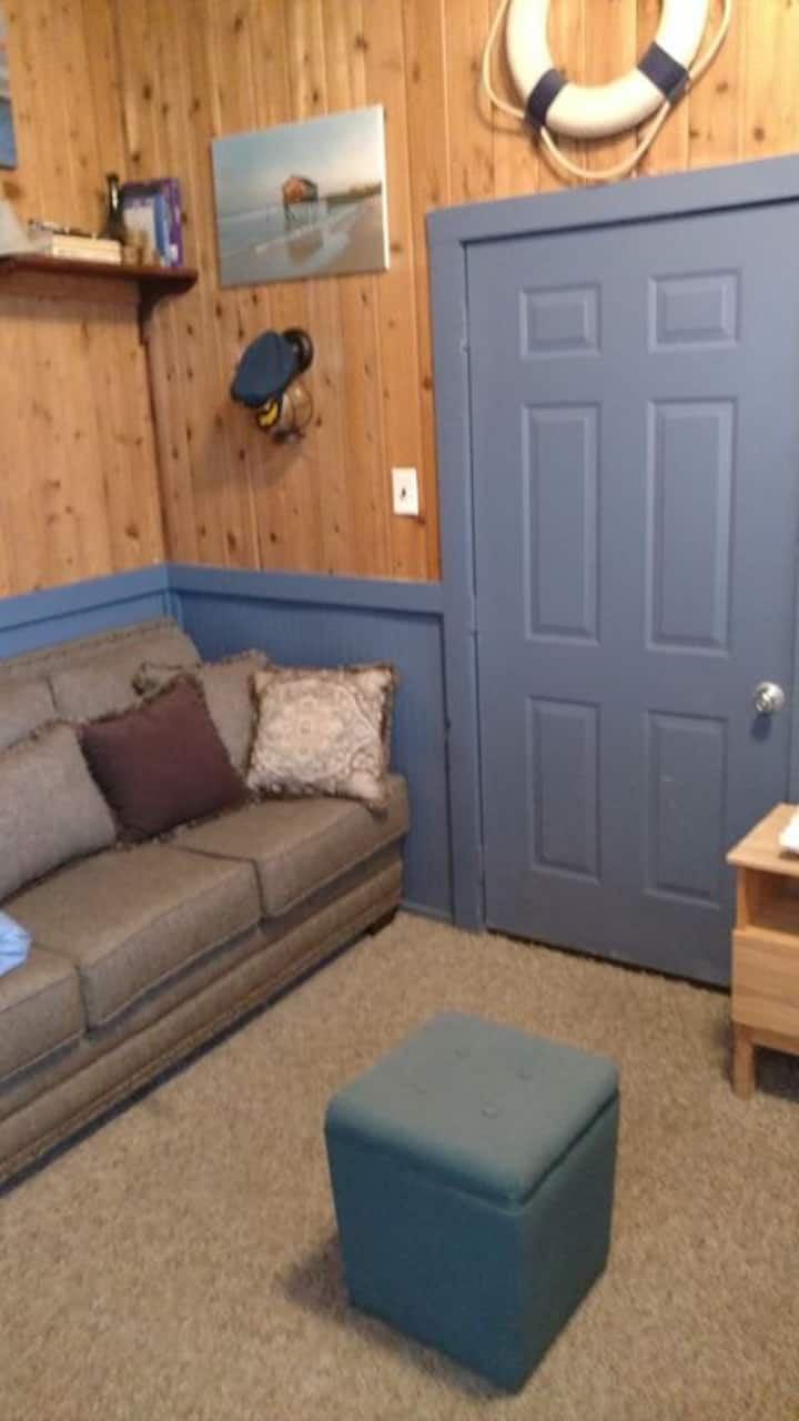 Studio Apartment, Steps from beaches /attractions