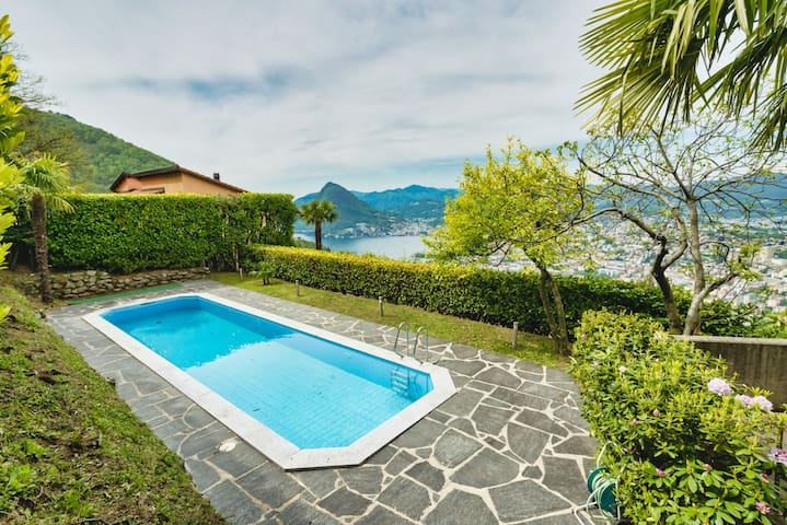 Breathtaking Lake view and pool (Villa Camelia)
