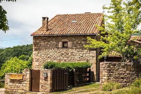 posada casavieja - House