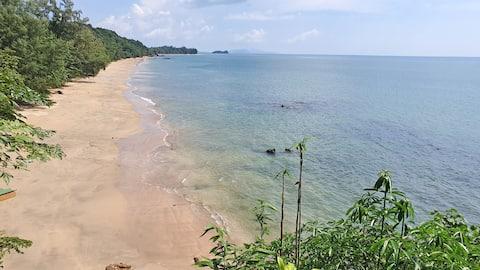Koh Jum Aosi Beach View Bamboo Bungalow