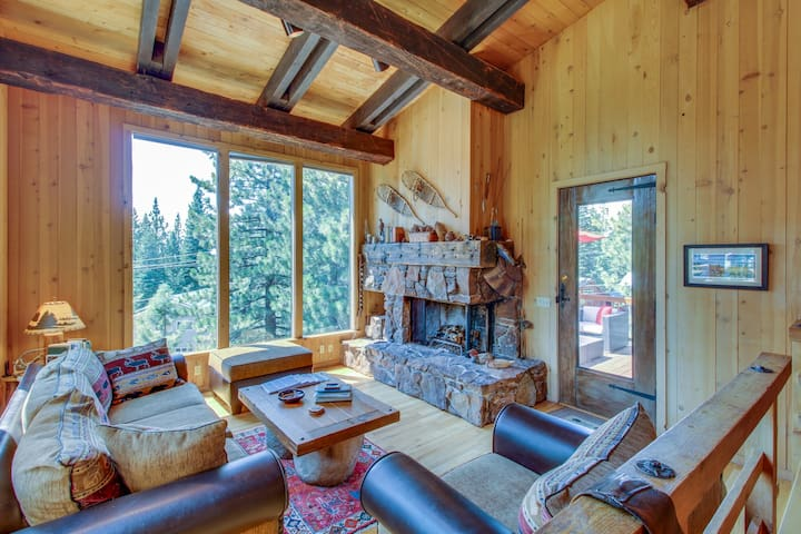 Beautiful mountain home close to year-round outdoor activities & Lake Tahoe!