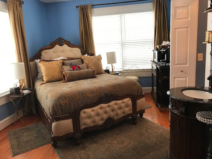 Bama Bed and Breakfast-Chimes Suite-WE ARE OPEN!