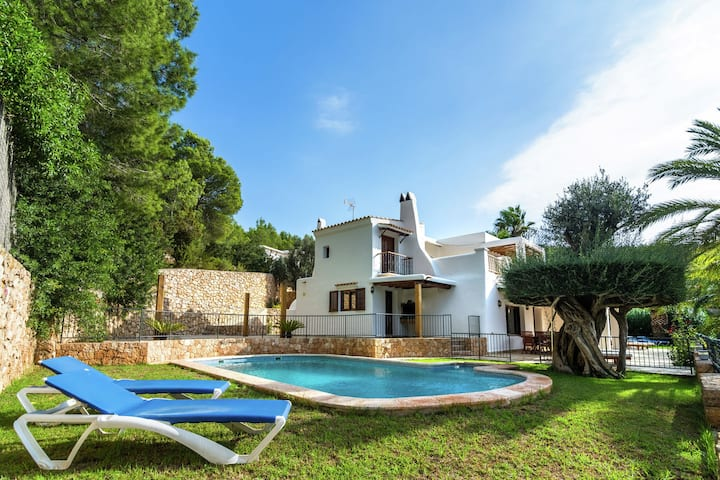 Cozy Holiday Home in Santa Eulària des Riu with Private Pool