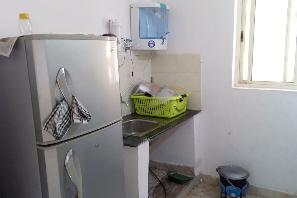 Refrigerator and RO water system