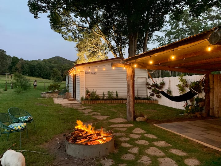 Love Lane Farmstay -Couples Cottage Getaway