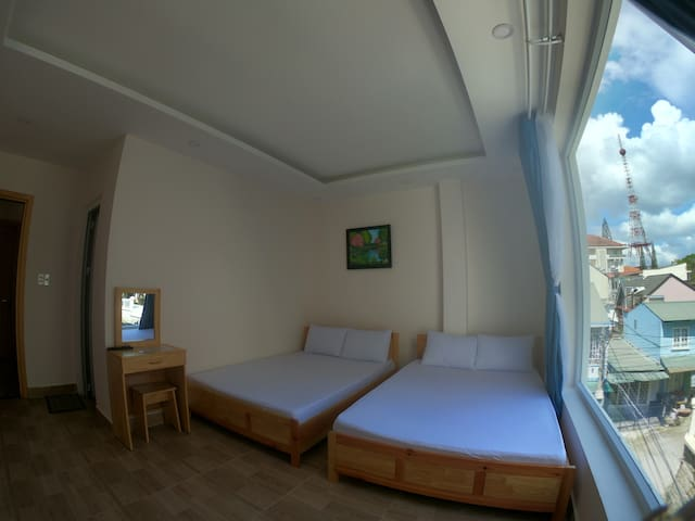 Room with 2 beds @ nearby city center