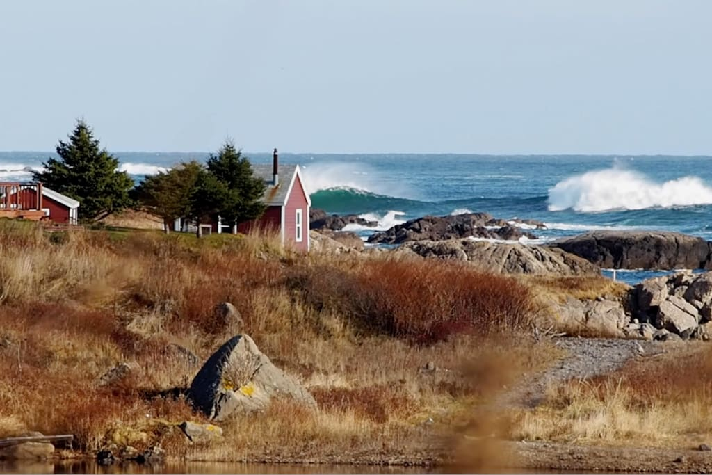 Sometimes at SE winds a great spot for wave watching