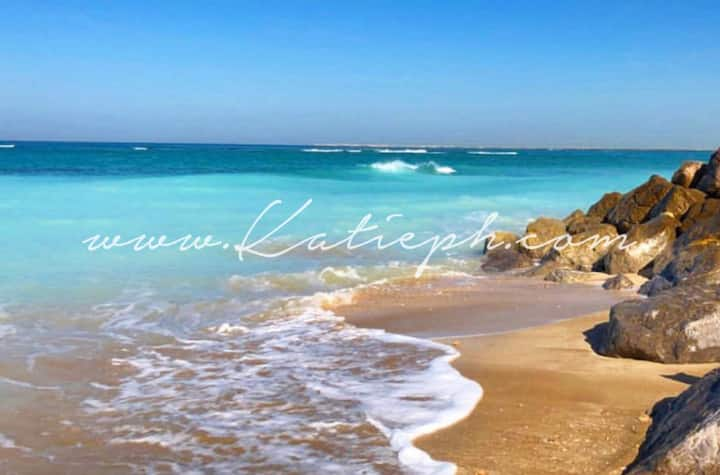 Life's a beach! Clean and bright studio apartment
