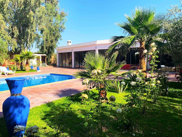 Villa moderne d'architecte avec piscine privée