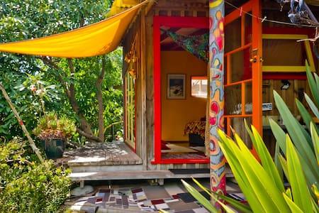 MANGAWHAI HEADS Flax Studio - Near the Sea