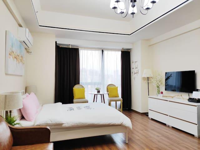 万达公寓舒适一房一厅·李福记小栈