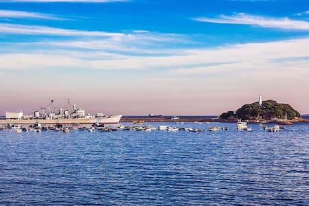 栈桥边距海10米百年暖气洋房(周边景点环绕)订前看房源介绍,欣赏历史老建筑的请预订!