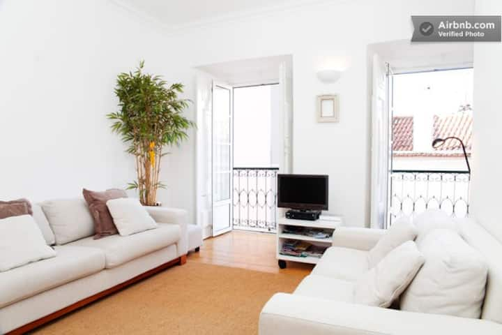 Charming Castle Hill Flat