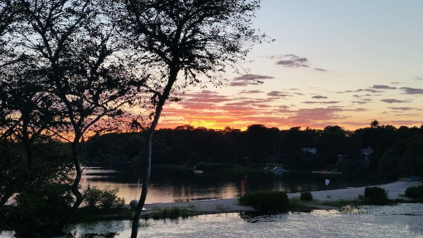 Waterfront Gem w/Spectacular Sunsets *Dog Friendly