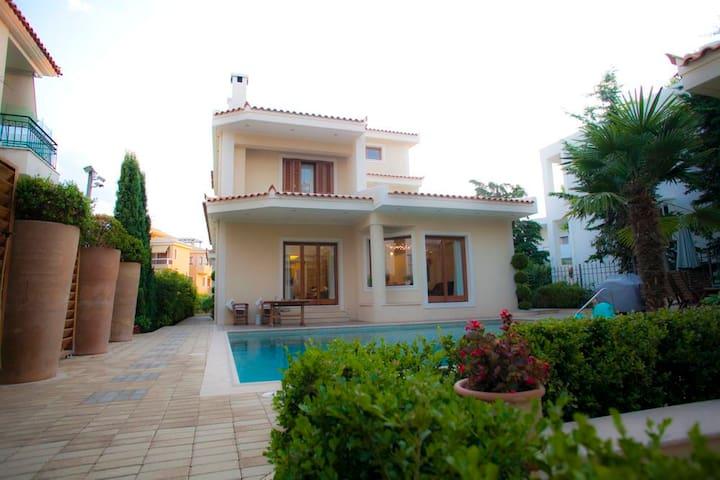 The Private Family Villa in Voula - Voula - Villa