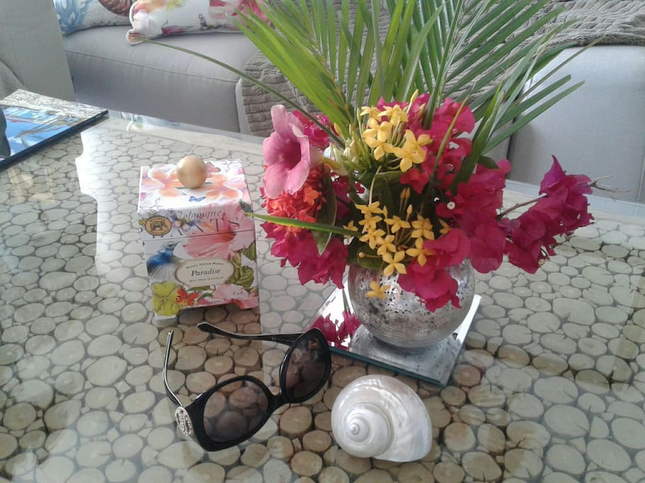 Nice Holidays *♡and you will Love theTropical flowers