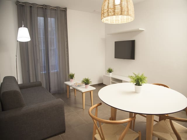 Soho Suites 2 bedrooms for up to 5