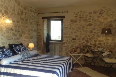 Stanze da sogno in country house - Castelnuovo parano - Casa