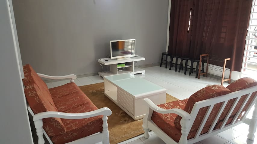 Anjung KLIA Apartment & Breakfast No One - Banting - Appartement