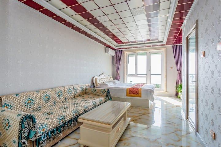 山海精品大床房+沙发床[豪华海景]