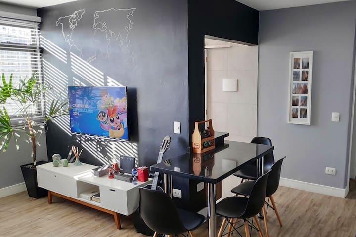 Apartamento Moderno e Equipado - Faça tudo a pé :)