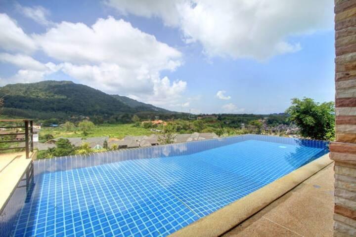 5 star mountain view villa