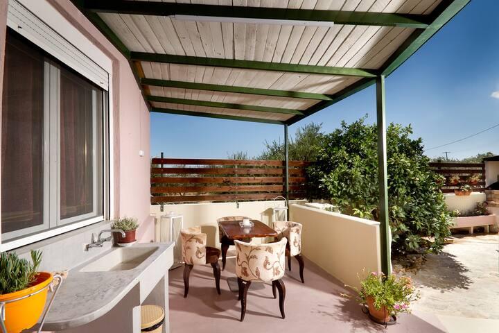 Ierapetra garden house