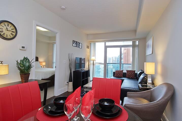 Exclusive 1 bedroom condo Yonge/Eglinton!!R-10A