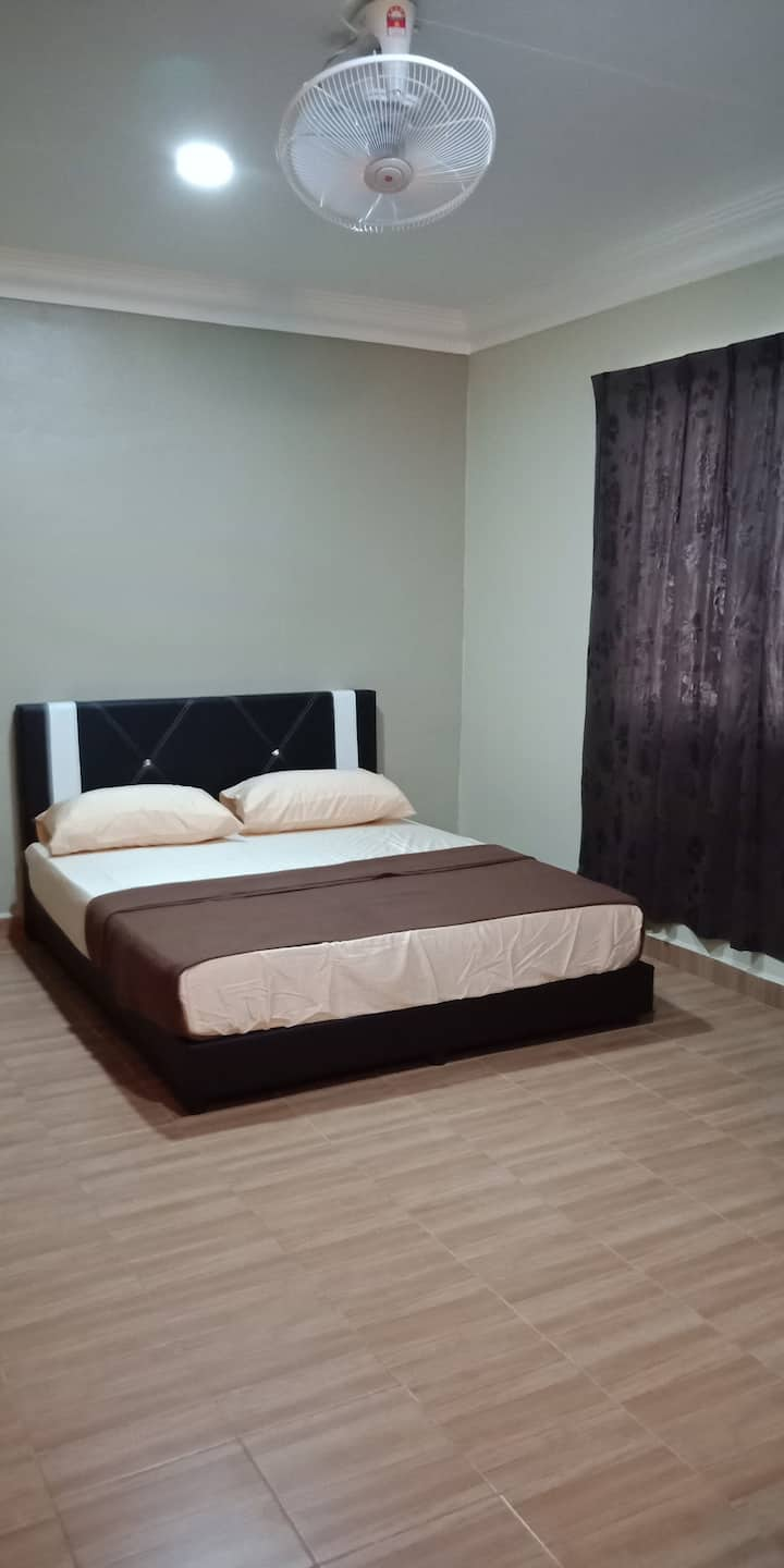 TY Inap Homestay 1 (Private Room  with Queen bed)