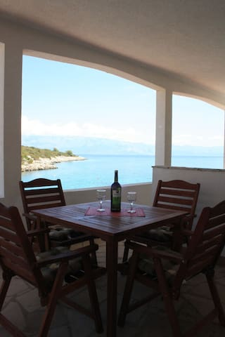 One bedroom Apartment, beachfront in Gdinj - island Hvar, Terrace