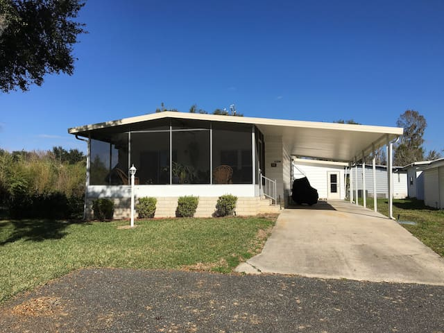 Cozy Bungalow In Ocala's Horse Country