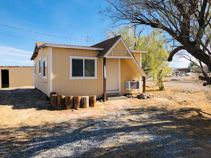 Remodeled Cabin on edge of Death Valley