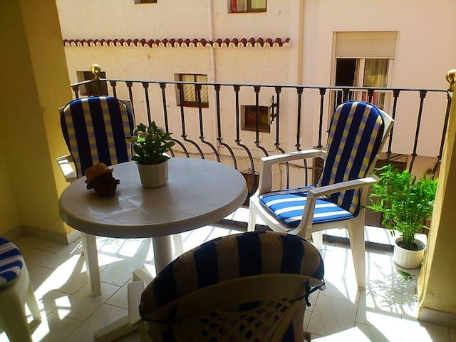 *Bonito apartamento a 30 metros de la playa