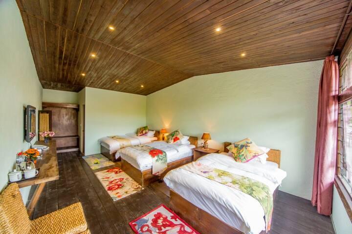 丽江桃园客栈,按床位房一张床出售,最舒适的背包客房间,免费钓鱼,经常有入住超高颜值美女 - Lijiang Shi - Loft