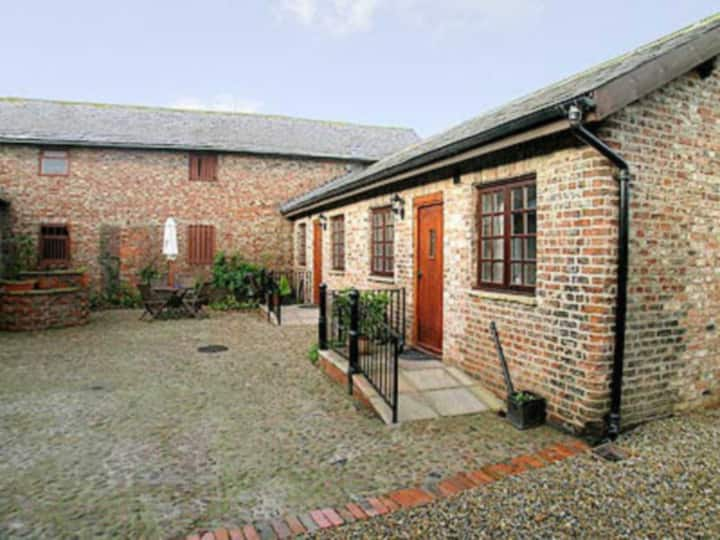 Thomsons Arms Cottages No2 (25314)