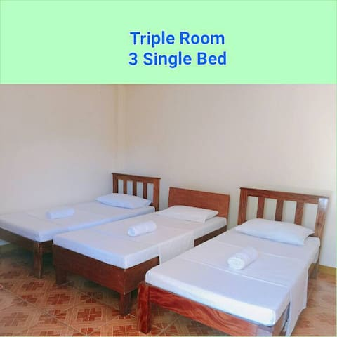 Beach Front Batanes: 3 Single Beds With Own T&B