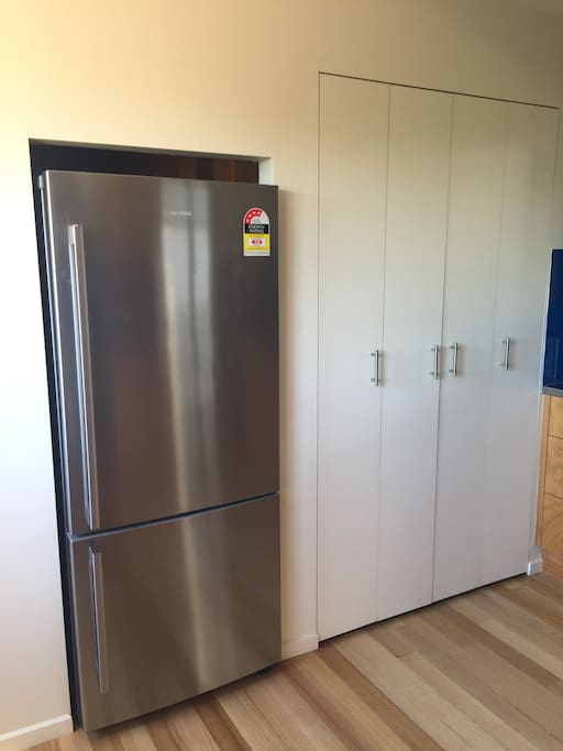 Kitchen:fridge and pantry